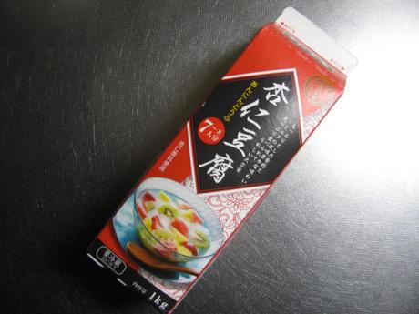 業務スーパー「杏仁豆腐」牛乳パックにはいった固形杏仁豆腐