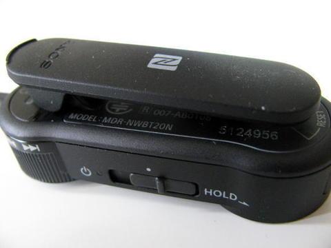 ソニーたBluetooth(R)ヘッドホン「MDR-NWBT20N」ワイヤレスノイズキャンセリングレシーバー