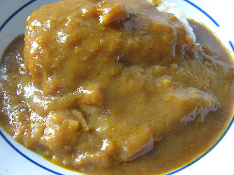 「野菜の甘みでマイルドな味わい ビーフカレー 甘口」中身