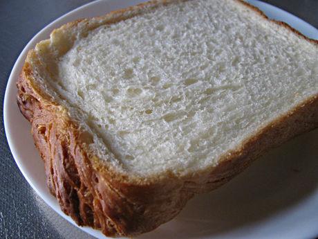 トップバリュ「トーストしてサクサク食感 デニッシュ食パン」