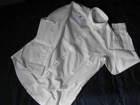 ユニクロ「Uniqlo U MEN エクストラファインコットンブロードシャツ(長袖)+E」