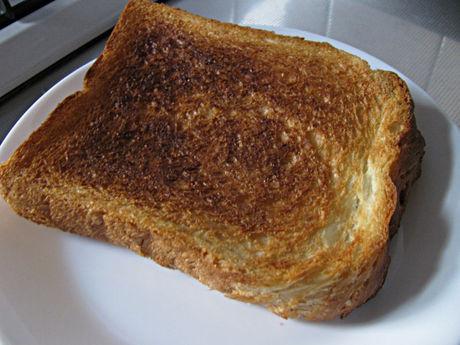 トップバリュ「トーストしてサクサク食感 デニッシュ食パン」トースト