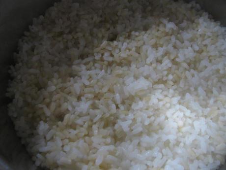 「トップバリュGABAが白米の約10倍 発芽玄米」と白米を混ぜて炊飯