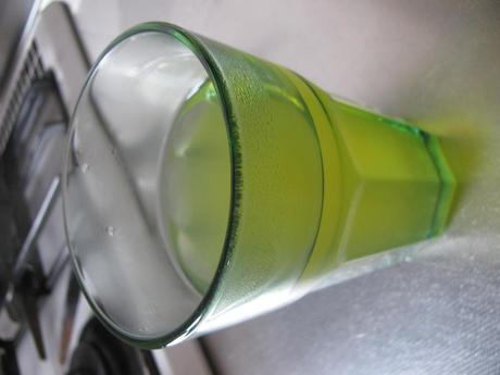 国産茶葉使用 緑茶 ティーバッグでいれた緑茶
